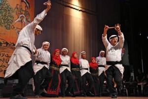 Vanhusten tanssiryhmä