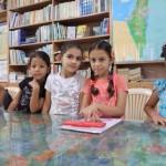 Kuvassa Syyriasta paenneiden palestinalaisperheiden lapsia